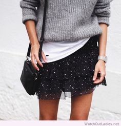 Girly tulle skirt with oversized grey shirt and black bag