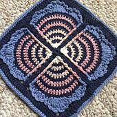 Ravelry: Crochet Fan Club square pattern by Polly Plum.. Free pattern! ༺✿ƬⱤღ https://www.pinterest.com/teretegui/✿༻