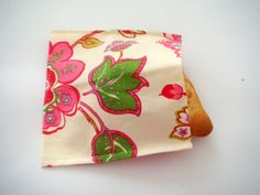 reusable sandwich bag thick cotton back to school by fabricute    (I like this idea and might would modify it with a sealed top so that it would stay fresh - would just be pretty versus and ugly ziploc or sandwich container)