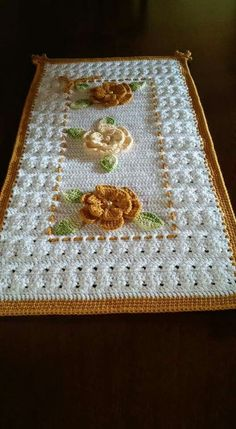 Rabbit Baby Blanket Making More exciting stuff Passo a pa sso? Knitting and Crochet's media analytics. Crochet Mat, Crochet Dollies, Crochet Home, Easy Crochet, Crochet Flowers, Free Crochet, Crochet Table Runner, Crochet Tablecloth, Knitting Patterns