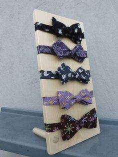 A Custom made bow tie display I made for a customer. Available on my Etsy store. Source by display Craft Fair Displays, Market Displays, Hair Bow Display, Headband Display, Accessories Display, Jewellery Display, Hair Accessories, Stall Display, Pet Store Display
