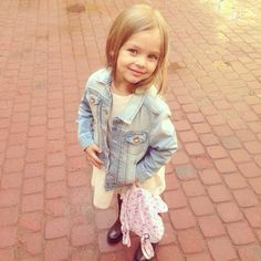 Anna pavaga fashion kid