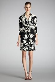 This dress kills me- so graphic! Contrast Circles Shirt Dress