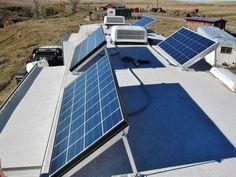 Nice 580 watt boondocking solar setup from a full time RVer - http://www.loveyourrv.com/my-friends-awesome-580-watt-rv-solar-power-system/