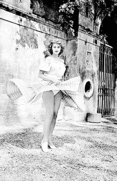 Sophia Loren, photo by Ormond Gigli, Rome, 1955 Carlo Ponti, Sophia Loren Images, Photo Print, Italian Actress, Italian Beauty, Actrices Hollywood, Female Stars, Jolie Photo, Brigitte Bardot