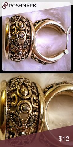 💍ANTIQUE FINISH MARCASITE EARRINGS Beautiful gold tone and uniquely designed earrings.  Excellent condition. Jewelry Earrings