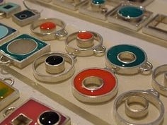 Resin jewelry - love this idea