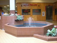 Love mall fountains!  Love any fountain except that they always look so tempting to either drink or swim in!!