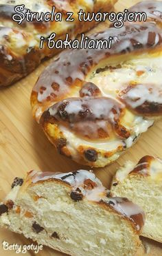 Strucla drożdżowa z twarogiem 3 Polish Recipes, Let Them Eat Cake, Cake Cookies, Delicious Desserts, Sweet Tooth, Food And Drink, Cooking Recipes, Favorite Recipes, Sweets