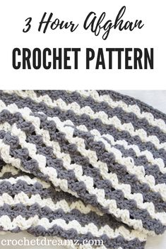 A free crocchet balnket pattern that works up in just 3 hours. Chunky, squishy a. A free crocchet balnket pattern that works up in just 3 hours. Chunky, squishy and beginner friendl Crochet Afghans, Motifs Afghans, Crochet Throw Pattern, Tunisian Crochet, Afghan Crochet Patterns, Crochet Yarn, Crochet Stitches, Blanket Crochet, Afghan Blanket