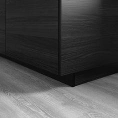 TINGSRYD Sockel Holzeffekt schwarz Ikea Cabinets, Base Cabinets, Kitchen Cabinet Doors, Kitchen Cabinets, Plastic Foil, Ikea Kitchen, Cleaning Wipes, Pedestal, Black