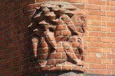 Image Hosted by PicturePush Art Nouveau, Art Deco, Amsterdam School, Gaudi, Art And Architecture, Art School, Street Art, Sculpture, Wood