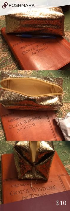 Makeup Bag! Gold glitter makeup bag! Have a great day and feed someone along the way! #agodthang Makeup Brushes & Tools