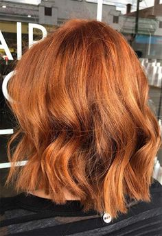 Copper Hair Color Shades: Copper Hair Dye Tips hair makeup 57 Flaming Copper Hair Color Ideas for Every Skin Tone Copper Hair Dye, Bright Copper Hair, Bright Red Hair, Golden Copper Hair Color, Dark Copper Hair, Golden Red Hair, Copper Bob, Copper Balayage, Balayage Hair
