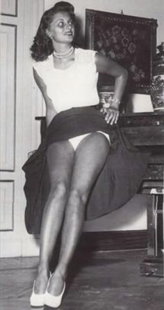 Sophia Loren by Franco Fedeli Marlene Dietrich, Brigitte Bardot, Cynthia Rothrock Movies, Sofia Loren, Salma Hayek Penelope Cruz, Kaley Cuoco Body, Joanna Pettet, Jennifer Aniston Legs, Eleanor Powell