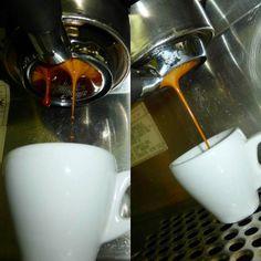A R O M A  D I  C A F F É  . La máxima expresión de notas aromáticas y los sabores genuinos de una extracción de #FiltroDesnudo. . #AromaDiCaffé  . #BaristaLife #CoffeeExperience #MeetTheBarista  . Barista: @avila83_14 . #AromaDiCaffé#MomentosAroma#SaboresAroma#Café#Caracas#Tostado#Coffee#CoffeeTime#CoffeeBreak#CoffeeMoments#CoffeeAdicts