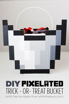 DIY Pixelated Trick-or-Treat Bucket - perfect for Minecraft costumes & halloween. Boys will love it! Minecraft Halloween Costume, Minecraft Costumes, Boy Halloween Costumes, Halloween 2014, Holidays Halloween, Halloween Crafts, Holiday Crafts, Holiday Fun, Halloween Decorations