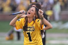 Mid-Missouri native and country star Sara Evans at Mizzou