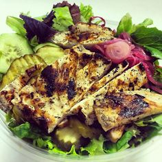 Grilled chicken salad with grilled red onion, cucumber, pickle, and a deliciously thick balsamic. Follow my Instagram for more low cal meal ideas! @robollikes