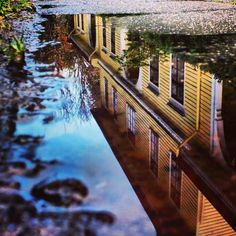 Reflejo post lluvia del Museo Histórico, Valdivia, Chile Space, City, Rain, Museums, Floor Space, City Drawing, Cities