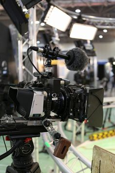 @CVPgroup  One of the cameras we're displaying at BVE is a rather lovely Movcam / Zeiss enhanced Blackmagic Cinema Camera rig... pic.twitter.com/oHCnK6WTGx