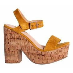 Sandalia de ante con plataforma de corcho.❤ Mod. 275354 #VeronaFootwear #zapatos #calzado #tacón #plataforma #sandalias #summer #fashion #moda