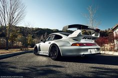 "Nakai's ""Royal Montegobay"" RAUH-Welt 993 Porsche 911 (by Nike SB'd)"