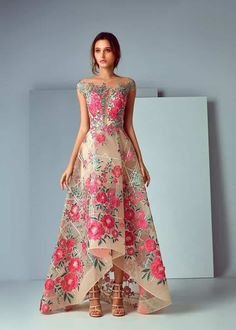 NewYorkDress carries beautiful dresses from top designers for weddings, prom, evening events and more. Shop our wide selection of gorgeous gowns today! Evening Dresses, Prom Dresses, Formal Dresses, Floral Maxi Dress, Dress Up, Robes Glamour, Beautiful Gowns, Dream Dress, Pretty Dresses