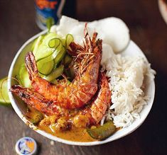 Food for thought: A Recipe Collection: Thai Red Prawn Curry, Jasmine Rice, Cucumber Salad & Papaya platter by Jamie Oliver Fish Recipes, Seafood Recipes, Indian Food Recipes, Asian Recipes, Healthy Recipes, Ethnic Recipes, Papaya Recipes, Thai Prawn Curry, Curry Shrimp