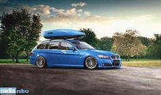 BMW E91 3 series Touring blue slammed