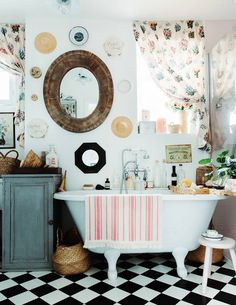 Boho Home Decor Violet Dent's Romantic Maximalist Home in London - The Nordroom.Boho Home Decor Violet Dent's Romantic Maximalist Home in London - The Nordroom Wooden Lockers, Checkerboard Floor, Townhouse Designs, Pink Tiles, London House, Shabby Chic Style, Boho Chic, Displaying Collections, Interiores Design
