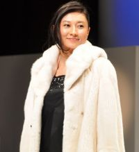 """Actress Rei Kikukawa, 35, is the 2014 winner of Fur of the Year, an award given by the Japan Fur Association to the celebrity whose image best matches fur. A beaming Kikukawa appeared before the press wearing a fur coat worth 3 million yen, and said, """"I'll have to polish my image so I will look good in fur."""" Asked if she would wear the coat to go out drinking, Kikukawa said, """"I don't think I could do that. But if I owned this coat, I'd probably keep it at home in a safe."""""""