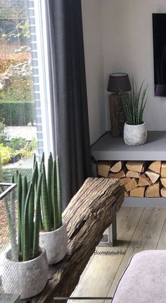 Handmade Home Decor, Diy Home Decor, Halloween Living Room, Rustic Wooden Bench, Home Furniture, Furniture Design, Rustic Interiors, Living Room Decor, Curtains