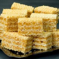 savuros.info Un desert grozav de napolitană cu arahide caramelizate ca în vremea copilăriei. - savuros.info