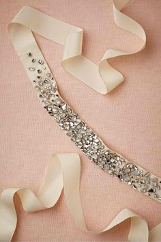 Bling for the waistline Monsoon Sash from BHLDN Diy Hair Accessories, Wedding Accessories, Diy Headband, Headbands, Wedding Headband, Diy Accessoires, Do It Yourself Fashion, Pointe Shoes, Mode Style