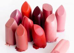 Rouge, rose, violet, gloss, ou mat : nous vous aidons à choisir le rouge à lèvres qui vous va !