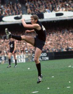 Robert Walls - 218 matches (Photo: AFL Photos)
