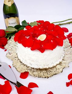 Harris Teeter - Valentine's Day via: http://www.harristeeter.com/promotions/valentines_day.aspx#cake