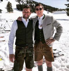 Tracht in snow German Men, Oktoberfest Outfit, Lederhosen, Black Socks, Kilts, Deck Of Cards, Traditional Outfits, Men Dress, Germany