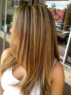 Blonde highlights with a natural low light