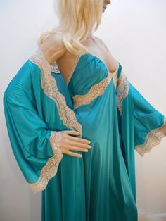 Vintage VANITY FAIR Emerald GREEN NYLON PEIGNOIR Gown Robe Set Goddess SZ 38 L #VanityFair #Everyday