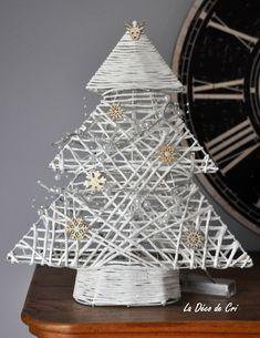 """Sapin de Noël en osier """"Noël blanc"""" avec éclairage led : Accessoires de maison par la-deco-de-cri"""