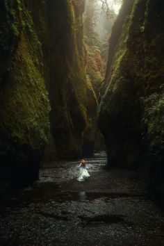 Follow Me Away to Oneonta Gorge, Oregon | Fine Art Photography inspiration | Beautiful conceptual photography | Best travel photography | Travel Pacific Northwest | Where to travel in Oregon | Oregon's Columbia River Gorge | Fine Art Photos