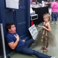 Even Dalek kids! | 12 Reasons John Barrowman Is The Best Celebrity To Meet At A Convention