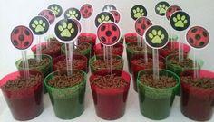 Brigadeiro no copinho no tema Miraculous: Lady Bug e Cat Noir!! #Brigadeironocopinho #DulceMimi #delícia #gostosuras #fds #catnoir #ladybug #miraculous #festa #Bday #festainfantil #tema #muitoamorenvolvido #cozinhaterapia #chocolate  #green #red #Black #decoração #joaninha #patinhas Ladybug Crafts, Ladybug Party, Festa Lady Bag, Cat Noir, Miraculous Ladybug, Party Themes, Baby Shower, Birthday, Creative