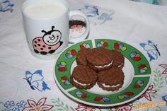 Maminky,ráda bych se s Vámi podělila o tento recept na sušenky ,které jsme dnes s Terezkou pekly.Rec...