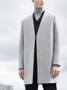 Men's Jackets To Own. Discover some good guys fashion. With so much style for men to pick from these days, it can be a time consuming encounter. Fashion Mode, Minimal Fashion, Fashion Brand, Womens Fashion, Fashion Design, Male Fashion, Cos Man, Grey Overcoat, Inspiration Mode