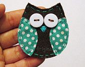 DIY - owl applique would be cut to add a thing for the back so they slip on to headbands Enkel & grei h.l ugle Owl Sewing, Sewing For Kids, Sewing Crafts, Owl Fabric, Fabric Scraps, Scrap Fabric, Quilting Projects, Sewing Projects, Owl Applique
