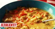 Simppeli kanakeitto on mainio arkiruoka - food_drink I Love Food, Good Food, Yummy Food, My Favorite Food, Favorite Recipes, Cooking Recipes, Healthy Recipes, Drink Recipes, Mellow Yellow