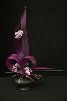 1st place and Colleen Fernie Trophy, Sharon Benton, Hibiscus Coast Floral Art Club